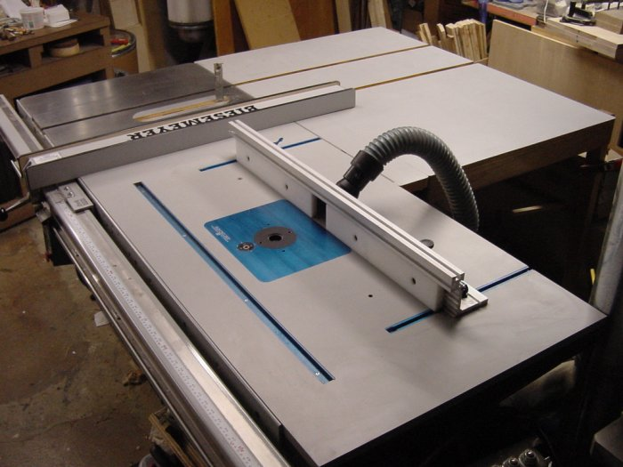 Combining Router Station Amp Tablesaw By Jeff Schnell